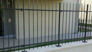 Portails acier lyon portails aluminium lyon mions portail for Cloture acier ou aluminium