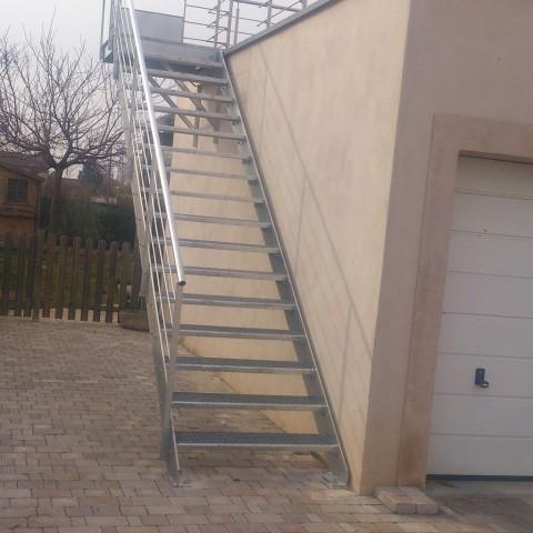Escalier métallique et rampe