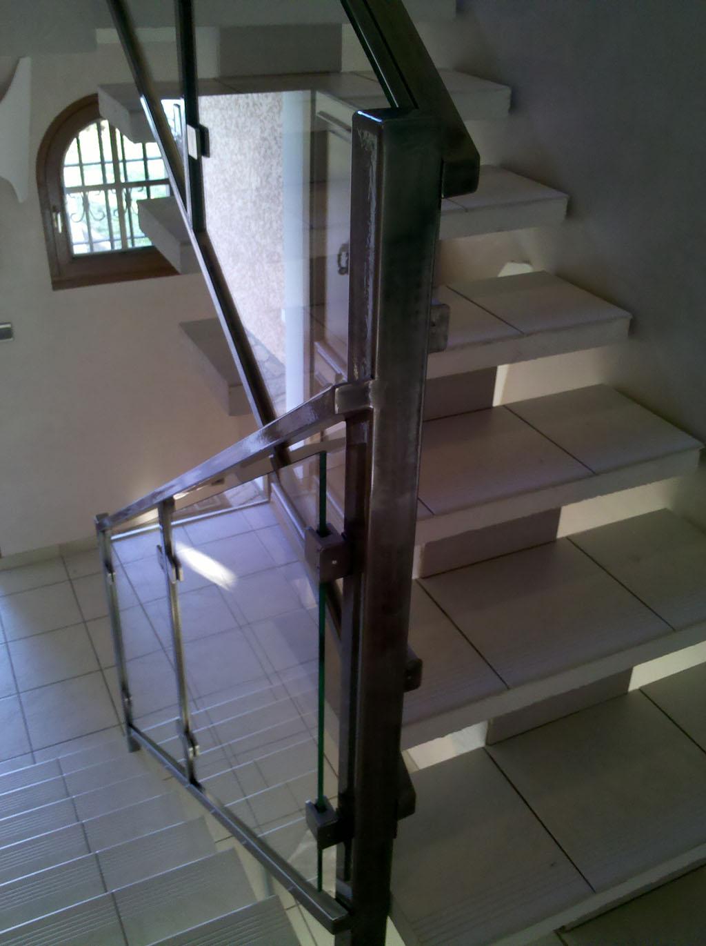 Rampes d 39 escalier int rieur et ext rieur lyon mions portail - Rampe d escalier interieur ...