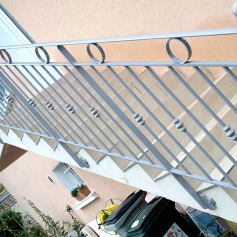 Rampe métal pour escalier extérieur